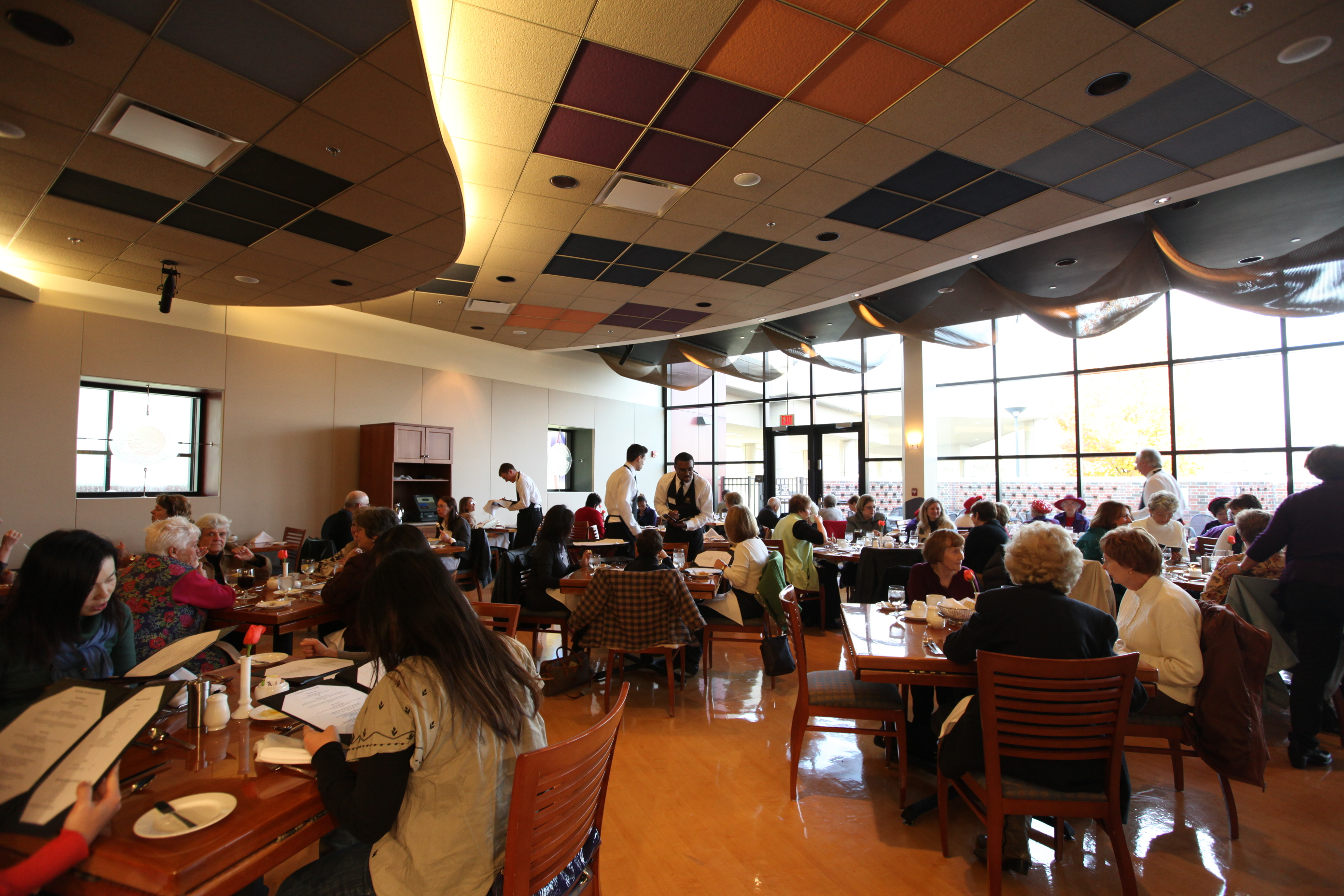Photo of American Harvest dining room